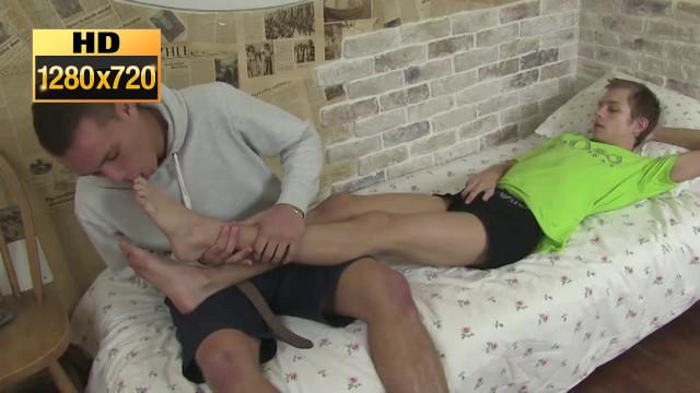 Feet Massage And Teen Boy Fuck Guy Hd - Goldogs - Gay Foot -6721